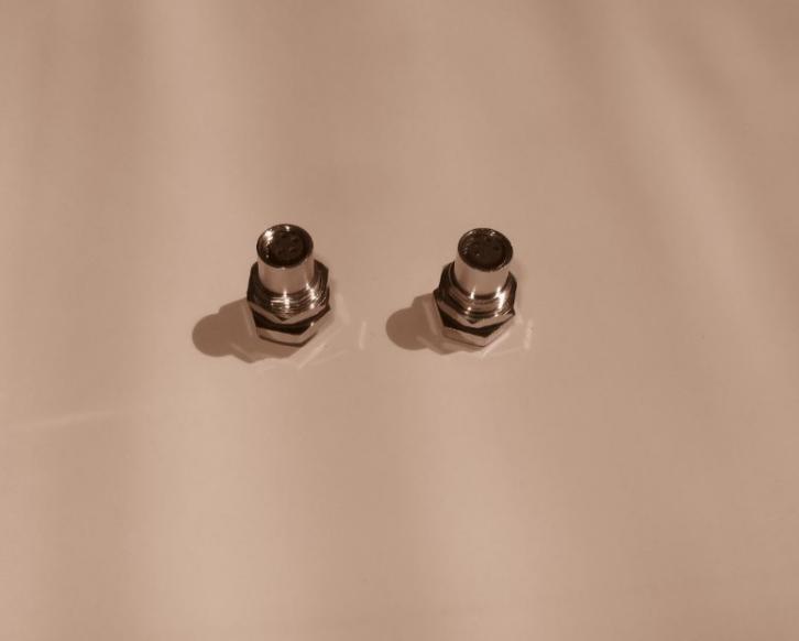 M12、M8双头电缆连接器1