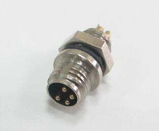 选用航空插头连接器